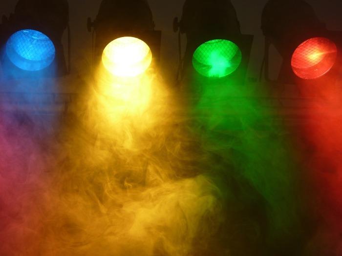 spotlight-802633_1280 (1)